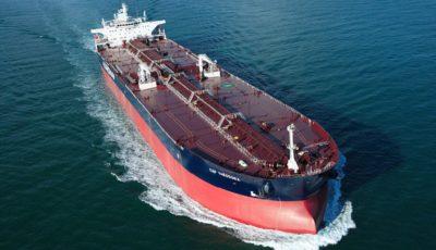 پیشبینی عجیب نفتی بلومبرگ/صادرات نفت ایران بهزودی نصف میشود