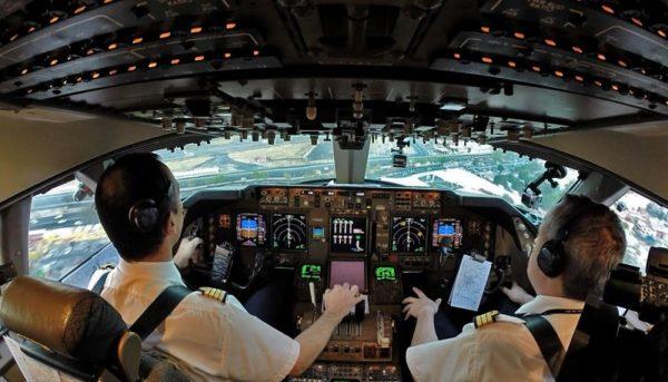 اشتغال ٢۵٠٠ خلبان در مشاغل غیرمرتبط