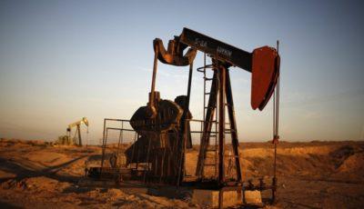 تداوم کاهش قیمت نفت در جهان
