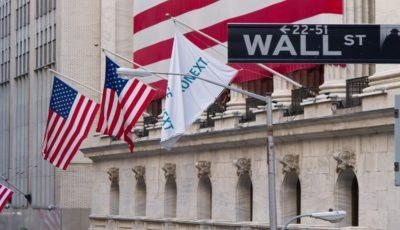 بزرگترین سقوط ماهانه وال استریت در ۱۰ سال اخیر