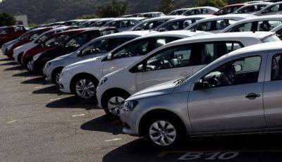 دلالان خودرو ماهانه ۱۰۰۰ میلیارد تومان سود بردند