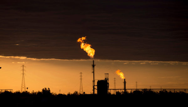 قیمت نفت امروز ۱۹ اسفند ۹۹ / عقبنشینی قیمت نفت از ۷۰ دلار