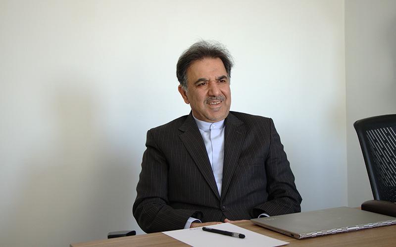عباس آخوندی در تجارتنیوز / چرا بحرانهای اساسی در اقتصاد حل نمیشوند؟