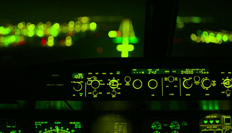 اتاق خلبان هواپیما شغل مورد علاقه