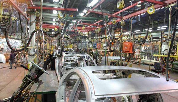 خودروسازان میتوانند خودروهای پیشفروش شده را تحویل دهند؟