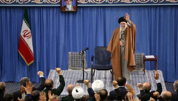نظام جمهوری اسلامی در بهترین موقعیت قرار دارد/ آمریکا در حال ضعیفتر شدن است