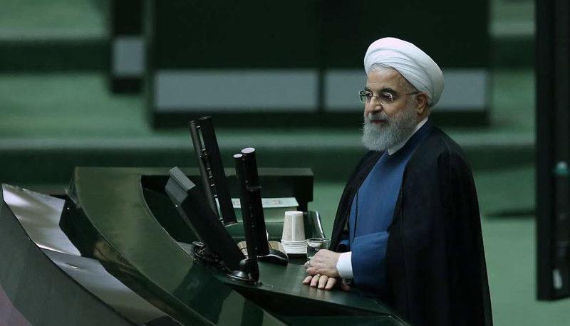 درخواست روحانی از مجلس برای جداسازی وزارت تجارت از صنعت و معدن
