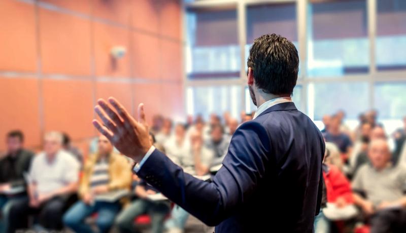 تربیت مدیرعامل سخنرانی