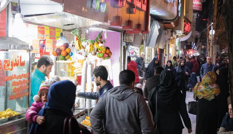 بازار امام حسن تهران در شب عید سال ۹۷ (گزارش تصویری)