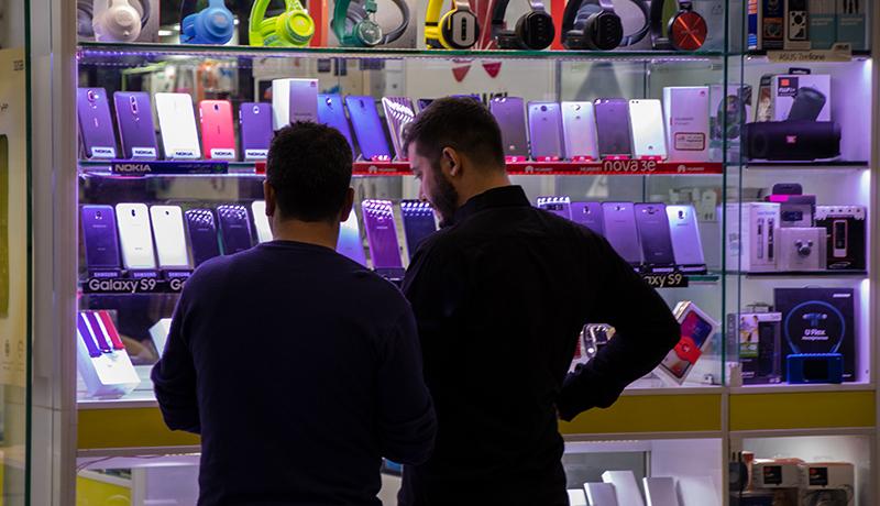 گوشیهای آیفون ٢ میلیون تومان گرانتر شدند