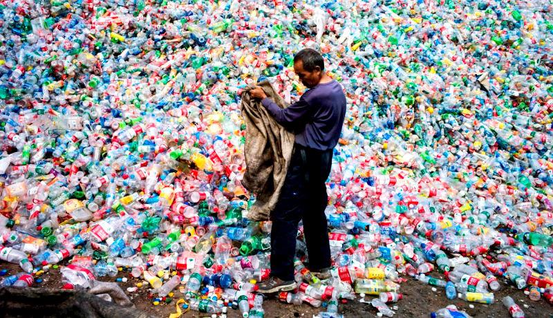 مرد چینی جمعآوری زباله
