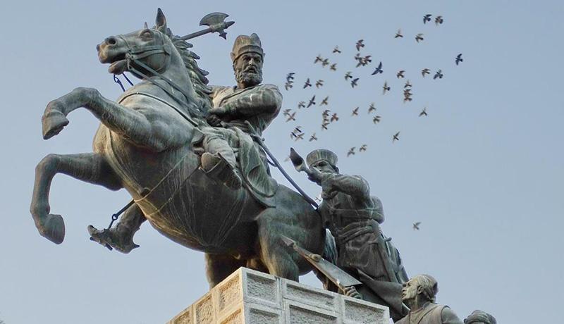 مجسمه نادرشاه افشار
