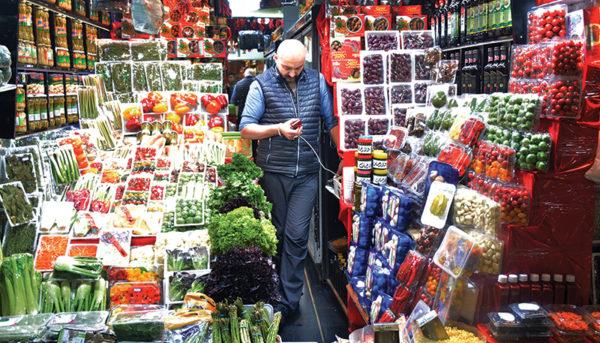 عجایب بازار میوه تجریش؛ از میوه مکزیکی گرفته تا خشخاش و گوجه ۱۰۰ هزار تومانی