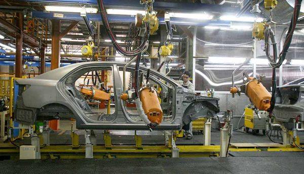 زنگ خطر صنعت خودرو به صدا درآمد / مطالبات ۲۰ هزار میلیاردی قطعهسازان / ۱۰ هزار میلیارد زیان انباشته