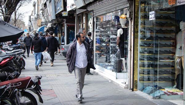 بازار شب عید چهارراه استانبول به روایت یک گزارش تصویری