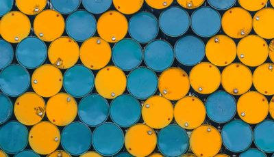 افزایش قیمت نفت به بالای ۶۲ دلار