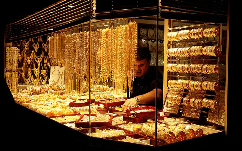 قیمت طلا و ارز امروز سوم اردیبهشت / ربع سکه ۱٫۷ میلیون تومان