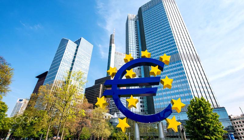 نماد یورو فرانکفورت آلمان