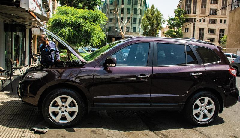 قطعات خودروهای خارجی چقدر در بازار موجود است؟ (گزارش تصویری)