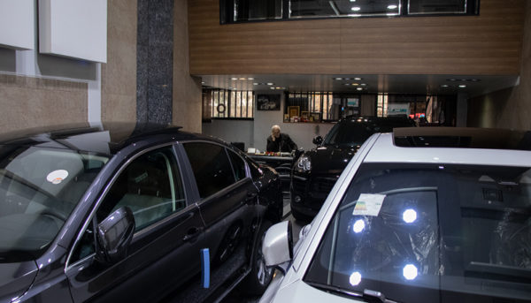 واردات خودروهای هیبریدی آزاد شد / مردم منتظر کاهش چشمگیر قیمت خودرو باشند