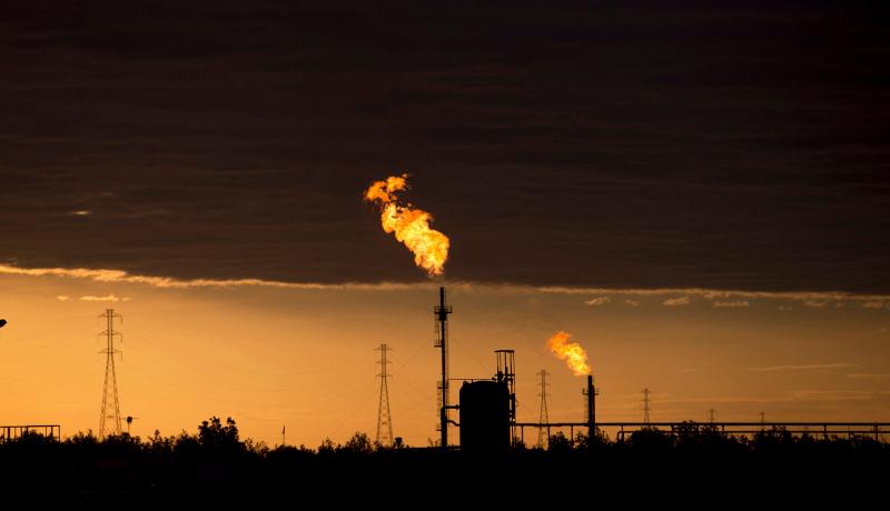 افزایش قیمت نفت به بالای ۷۲ دلار