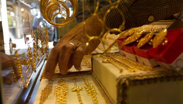 کاهش قیمت طلا و سکه ادامه دارد/ قیمت طلا و دلار امروز ۹۸/۲/۳۰