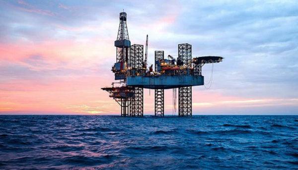 نفت خاورمیانه گرانتر شد