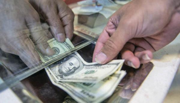 دلار در مرز ۱۳ هزار تومان درجا زد