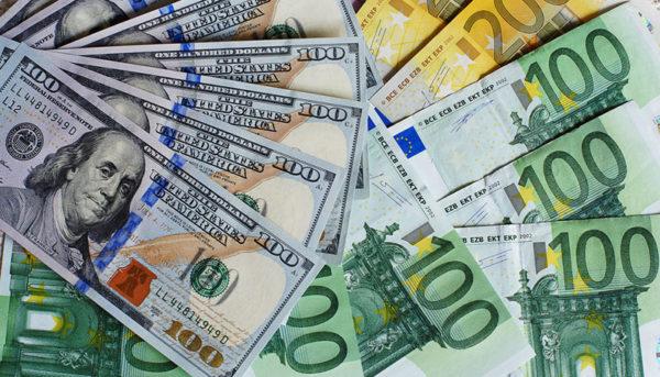 نرخ خرید دلار و یورو ثابت ماند / قیمت ارز صرافی ملی ۹۸/۵/۲۶