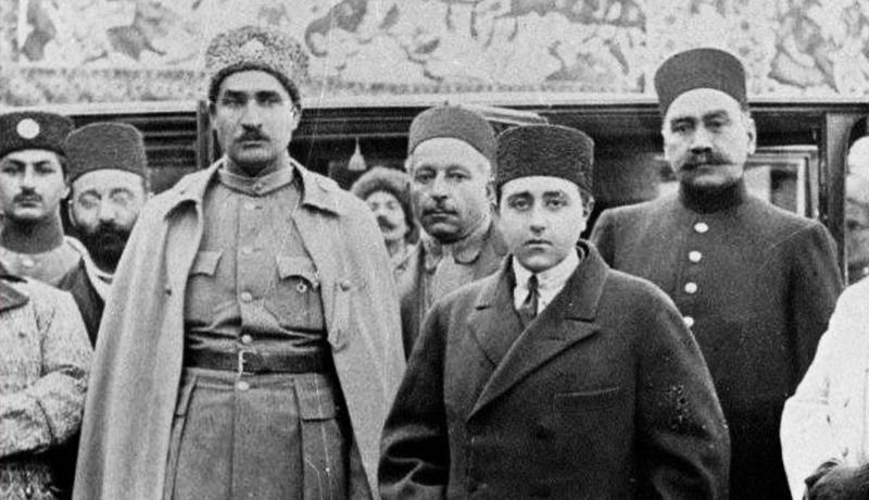 احمدشاه و رضاخان