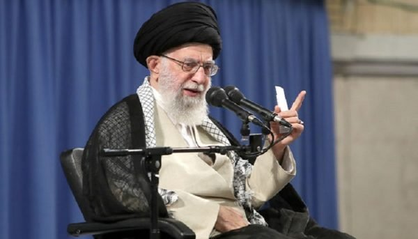 پیشنهاد مذاکره فریب آمریکا برای خلع سلاح ملت است