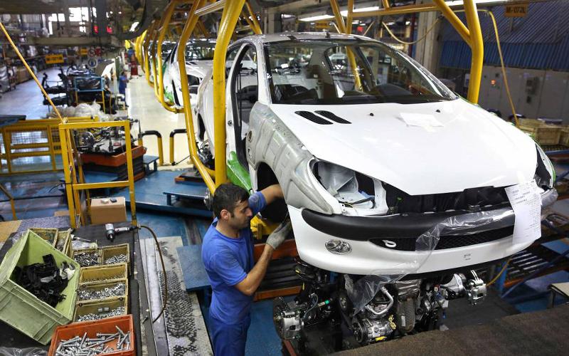 احتمال تعدیل نیرو در دو خودروسازی بزرگ کشور / پس از واگذاری نوبت اصلاح ساختار است