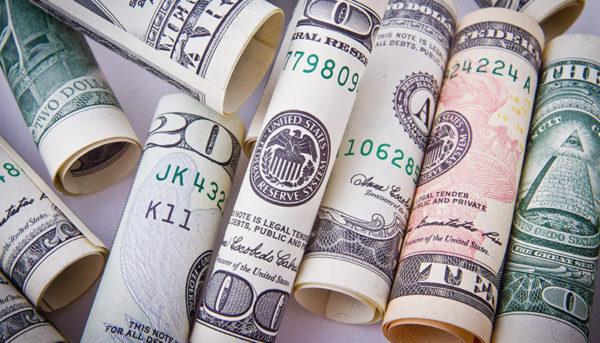 دلار و یورو روی ریل کاهشی / قیمت ارز صرافی ملی ۹۸/۴/۱۰