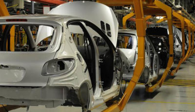 واکنش خودروسازان به تحویل خودروهای بدون آپشن