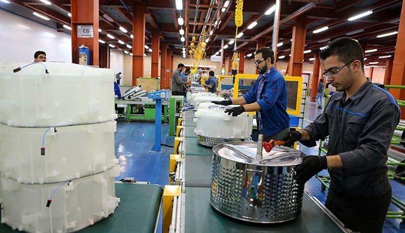تورم ۷۰ درصدی بخش تولیدکننده کشور / تولید برق، کمهزینهترین بخش تولیدی