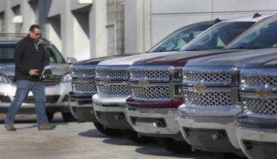 فروش خودرو در آمریکا کاهش یافت