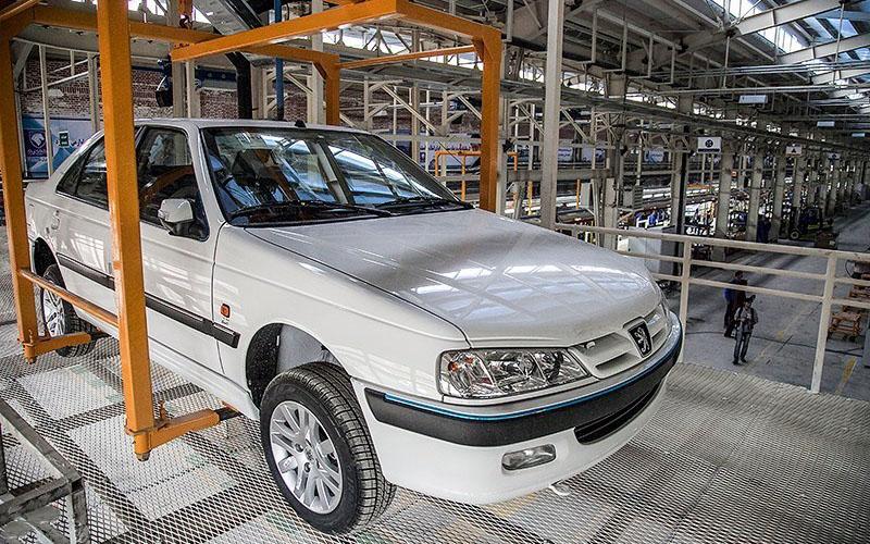 گرانی خودرو در روز ارائه لایحه بودجه / پژو پارس اتوماتیک ۴ میلیون گران شد +جدول قیمتها