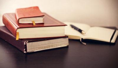 رمان بخوانید تا اقتصاد بفهمید