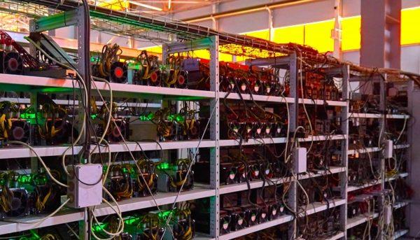 تعبیر اشتباه از برق مصرفی استخراج بیت کوین / فولاد ۲۳ برابر بیت کوین برق مصرف میکند