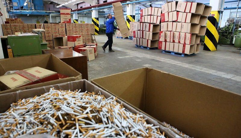 هجوم برندهای خارجی سیگار به ایران / ژاپنیها بازیگر اصلی بازار دخانیات ایران / دخانیات تنها صنعتی که تحریم نمیشود