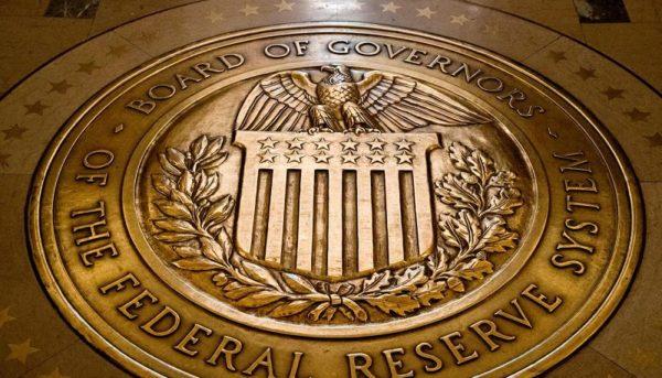 چرا فدرالرزرو نرخ بهره را کاهش میدهد؟