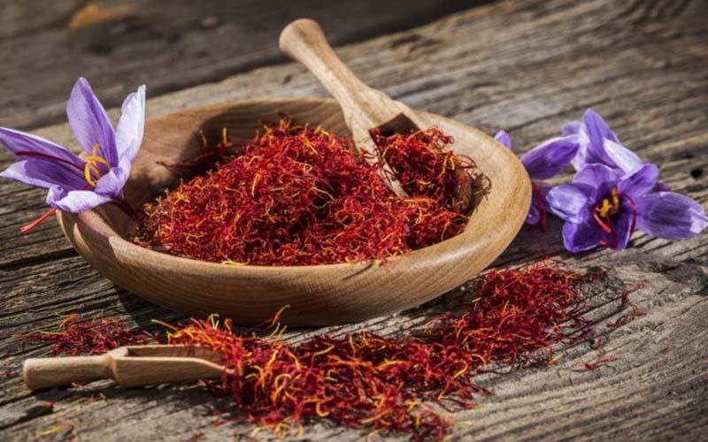 کاهش صادرات رسمی زعفران با افزایش قاچاق به افغانستان