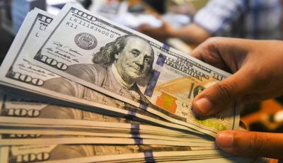 اختلاف بر سر عامل اصلی ارزانی دلار / علل کاهش قیمت ارز در مطبوعات جناحهای مختلف (اینفوگرافیک)