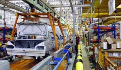 خودروسازان زیر بار فشار قیمت آهن دوام نخواهند آورد