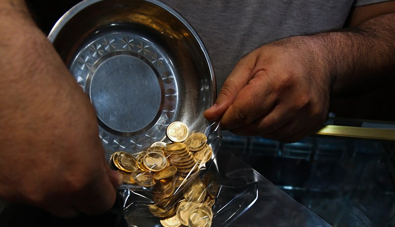 طلا و بورس صعودی شدند اما دلار ثابت ماند /  ۶ پیشبینی از آینده طلا و بورس / تغییر نرخ بهره آمریکا چه پیامهایی دارد؟