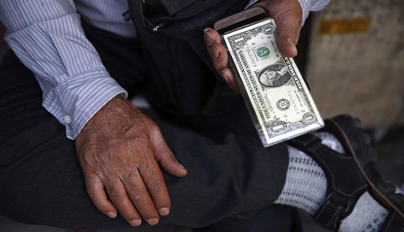 دلار و طلا ریختند، بورس رکورد زد / ۵ پیشبینی از آینده کوتاهمدت بازارها / تحریمها به کجا خواهد رسید؟