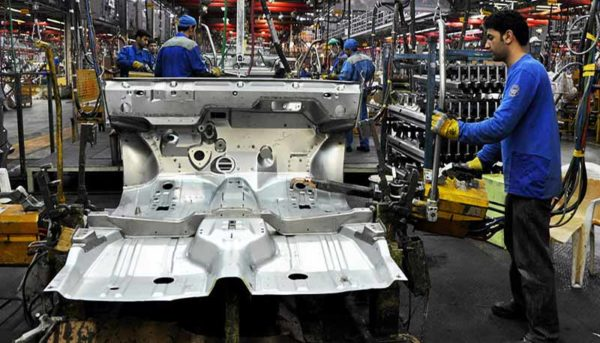 درب صندوق عقب ساندرو ۸ میلیون تومان/ توقف چهارچرخها در آشفته بازار لوازم یدکی