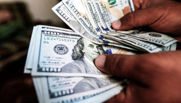 اولین واکنش دلار پس از حمله به تاسیسات نفتی عربستان