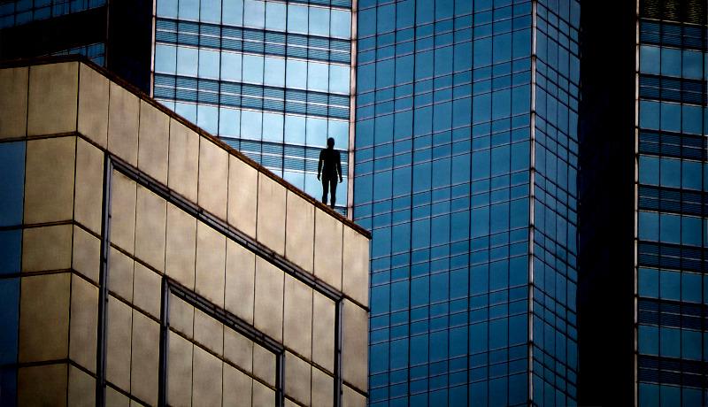 مرد ساختمان بلند برج بلند