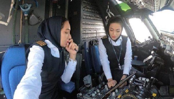 ارتباط فامیلی ۲ خلبان خانم با یک مدیر هواپیمایی صحت دارد؟